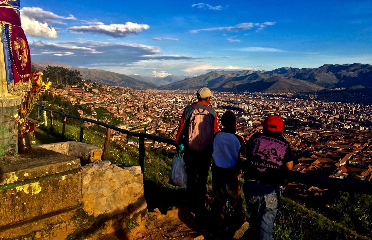Mirando el Cusco desde Sacsayhuamam