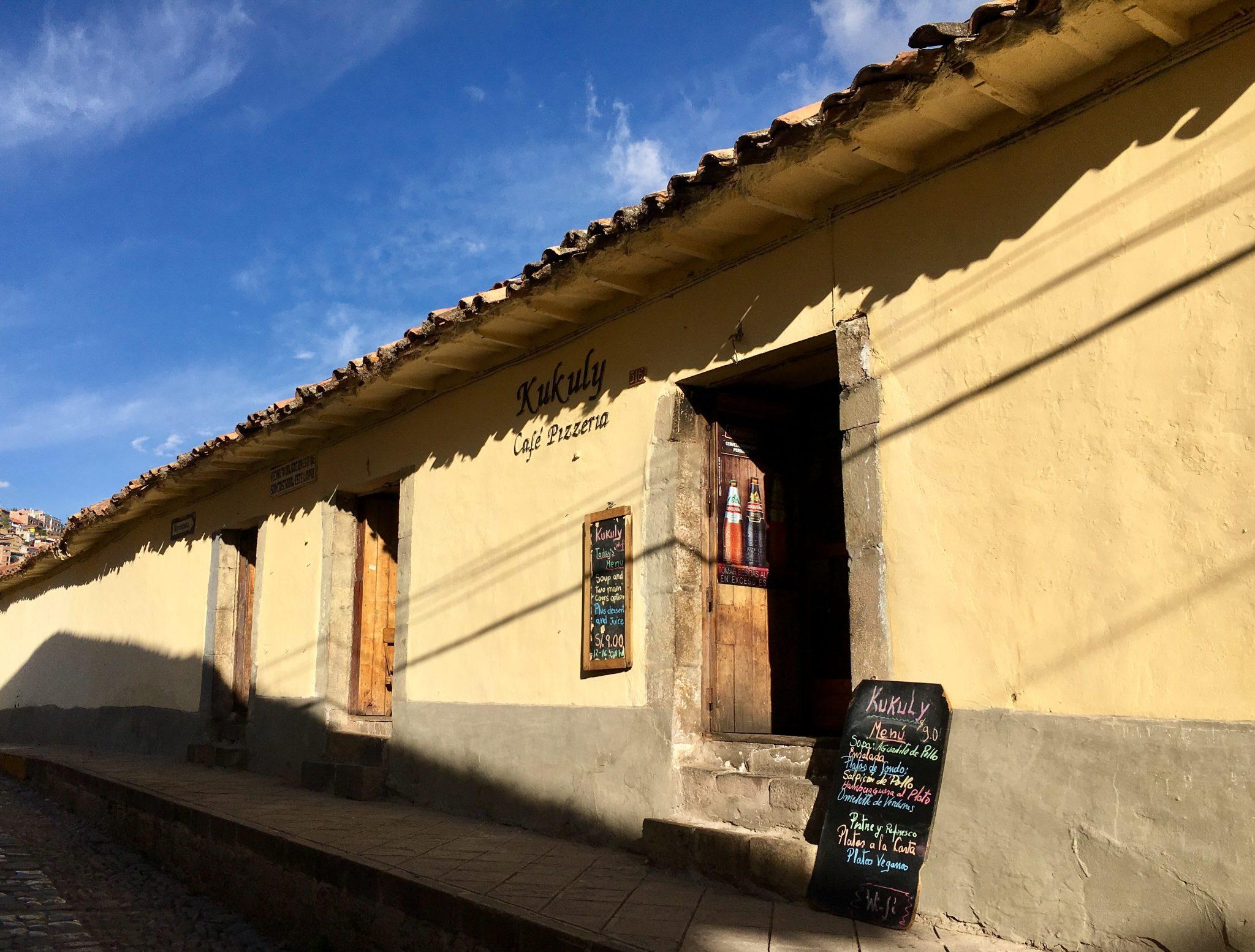 Aventuras en un café tradicional de San Cristóbal – Centro Histórico del Cusco