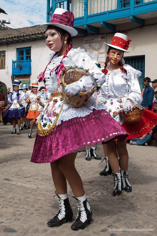 La danza de los Panaderos en la fiesta de Paucartambo